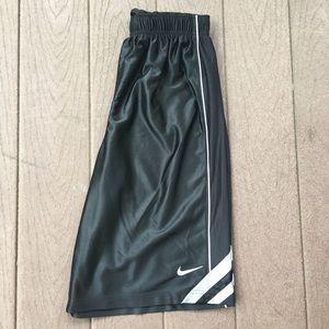 NIKE ATHLETIC Black YOUTH Shorts - Size XL